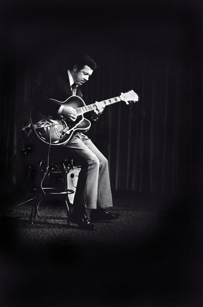 Kenny Burrell Minor Blues Solo