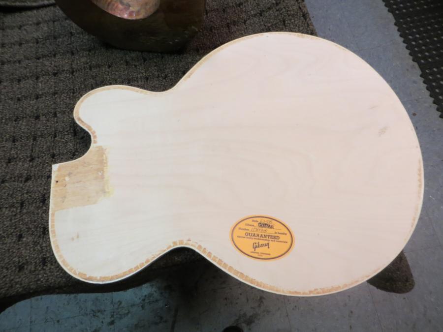 Unfortunate top brace fitting in new Gibson 275-2755-jpg
