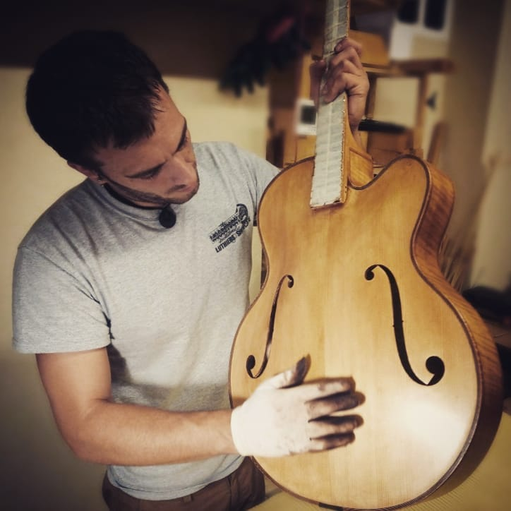 """17"""" Acoustic Archtop Benedetto-65549089_395036081139235_1143654176362856448_n-jpg"""