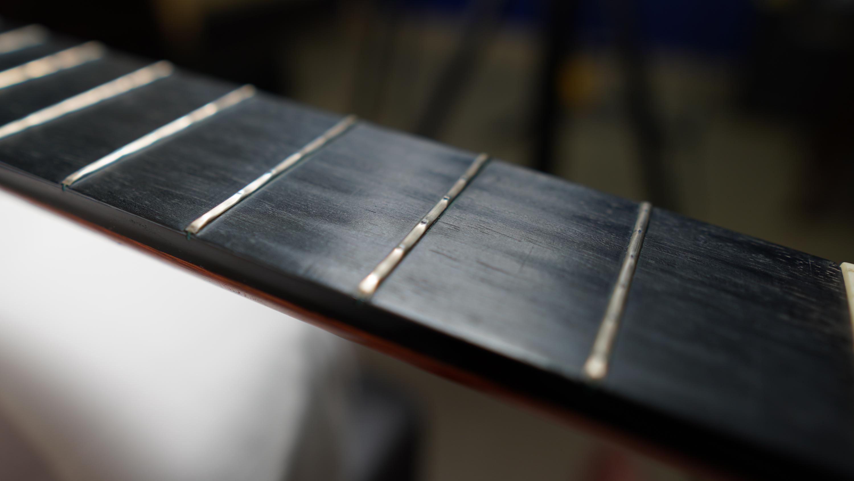 EVO Gold Frets Corroding-dsc00072-jpg