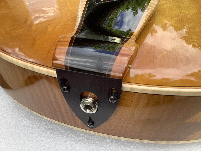 Trenier guitars-db8afac9-4f52-49b4-9964-b0f3536d4cfa-jpg
