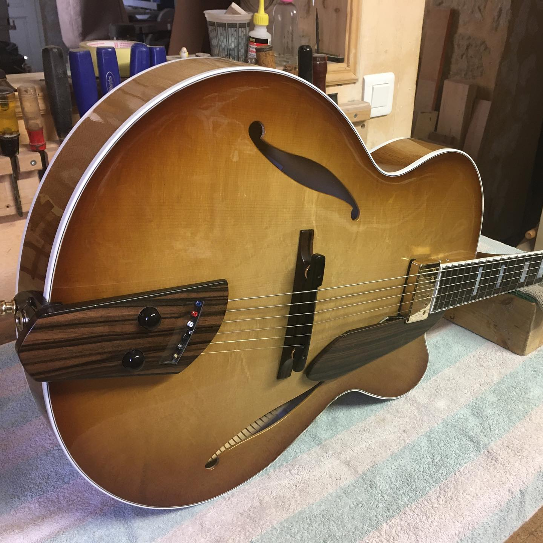 Trenier guitars-193386241_4500661966665324_6616559290095870756_n-jpg