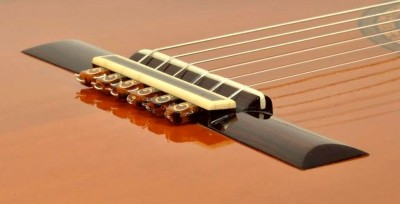 How to tell a good classical guitar?-663060144_tp-jpg