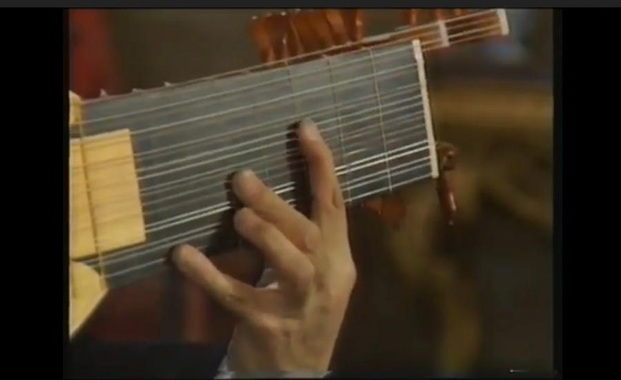 Julian Bream plays Dowland (1987)-b6f32e66-836e-4af0-b0a9-d5997b75b388-jpg