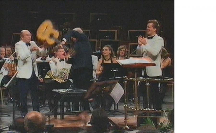 Julian Bream - Malcolm Arnold Guitar Concerto (1991)-bream-malcolm-arnold-jpg