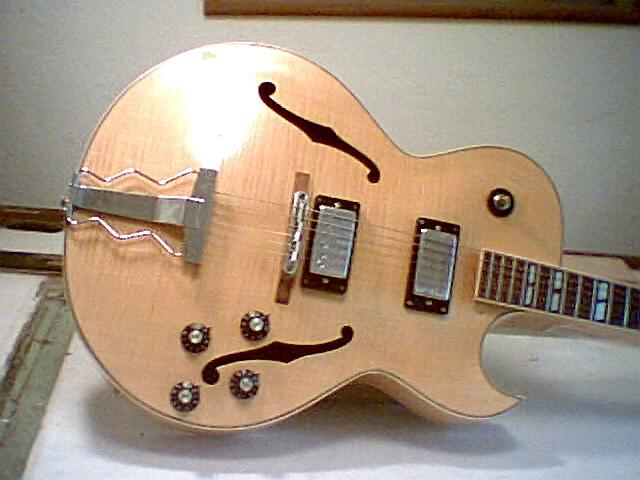 Gibson ES-175 - S-shaped Tops-dream-175-body001-jpg