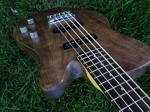 short scale basses-img_2834-jpg