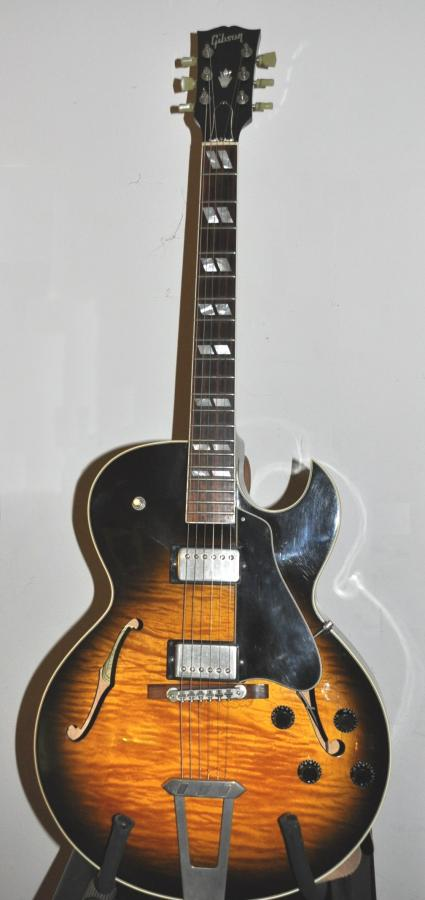 My 2007 Gibson ES-175 Sounds more like a 50\'s with some modification