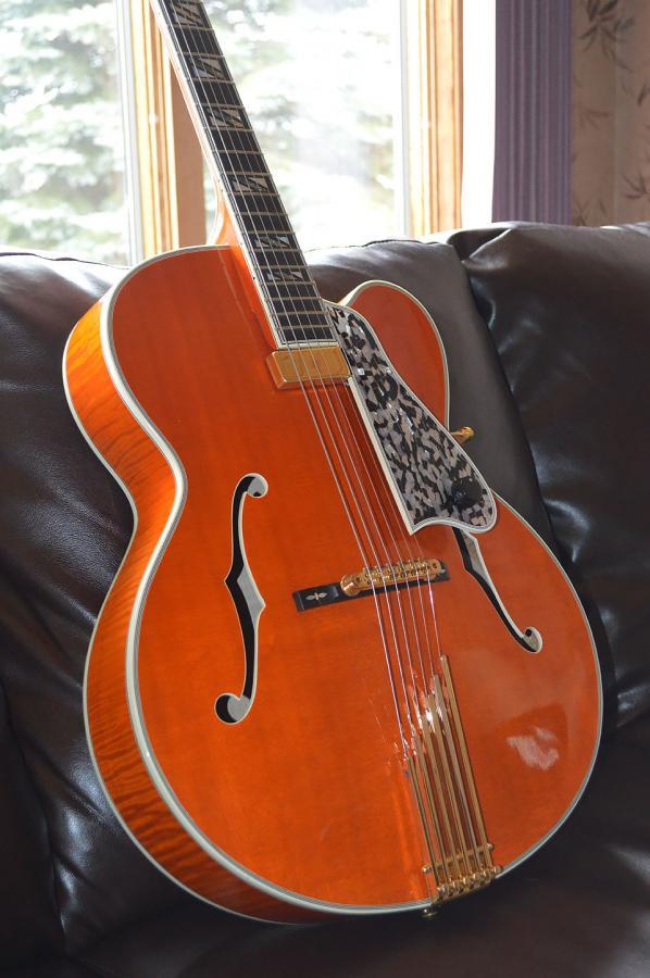All three decades of the Gibson Johnny Smith-legrand-so-jpg