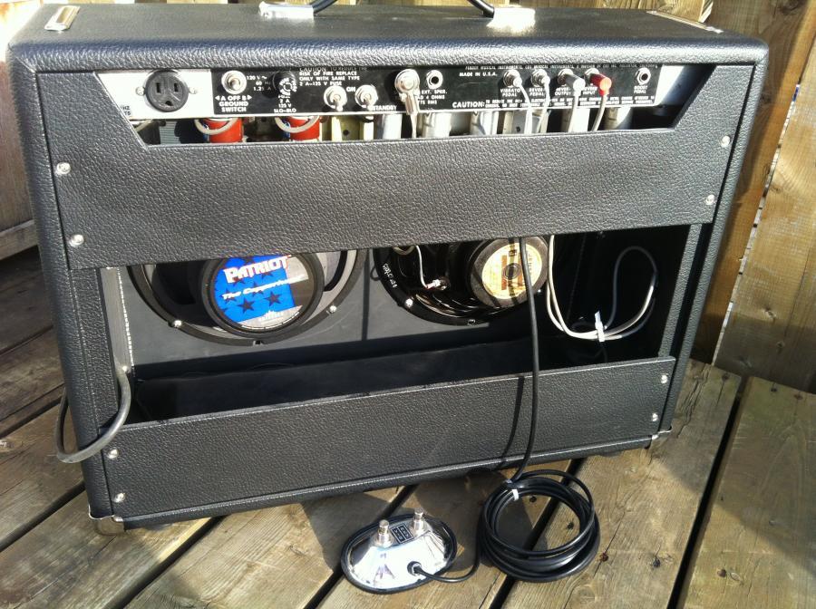 Fender Vibrolux Silverface Reverb-img_3358-jpg