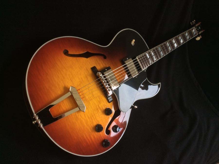 Gibson ES175 Figured Video added-9e5efb59-c17c-4845-b3aa-3bfab38d4bad-jpg