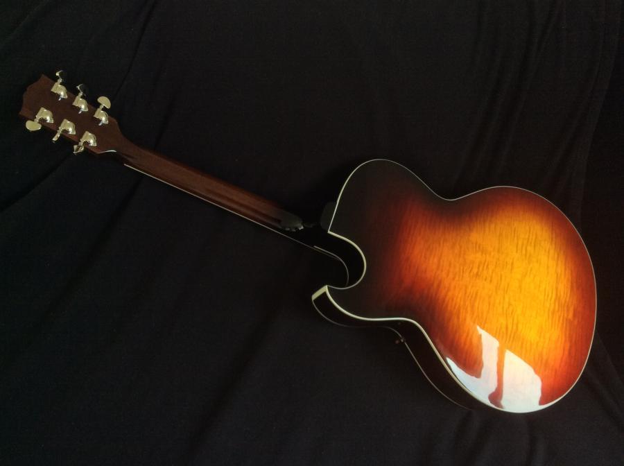 Gibson ES175 Figured Video added-2ef2eeff-5506-49d3-84d0-8b4115051e43-jpg
