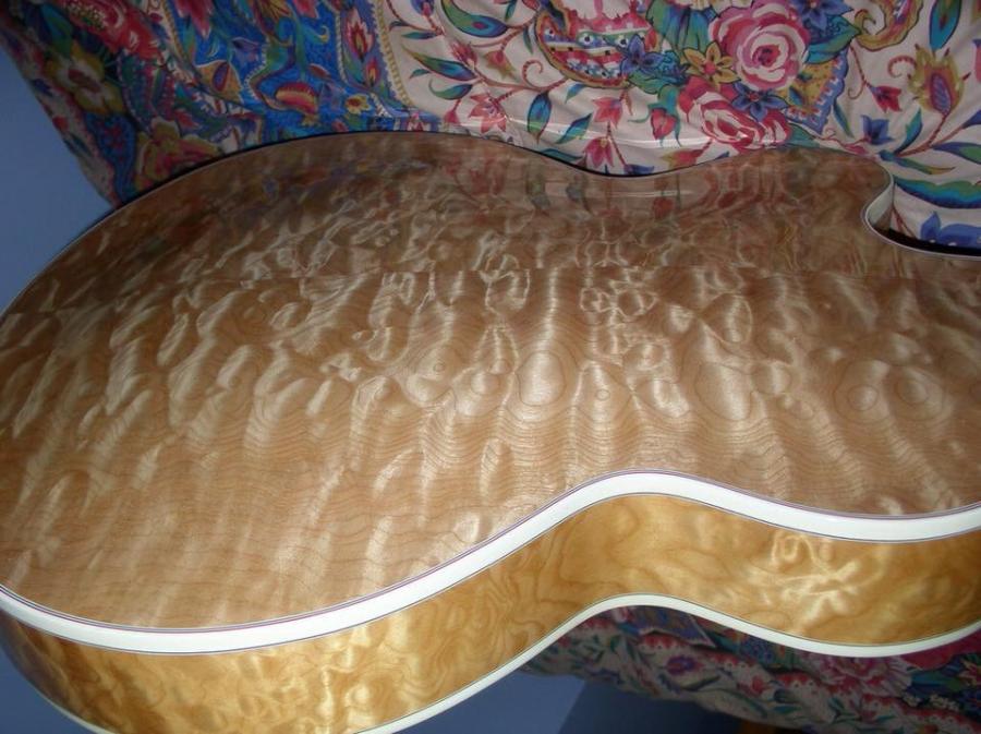 Heritage Guitar Uproar-c8bd3c4f-1ebf-4646-8d8d-a01e60b415fb-jpg