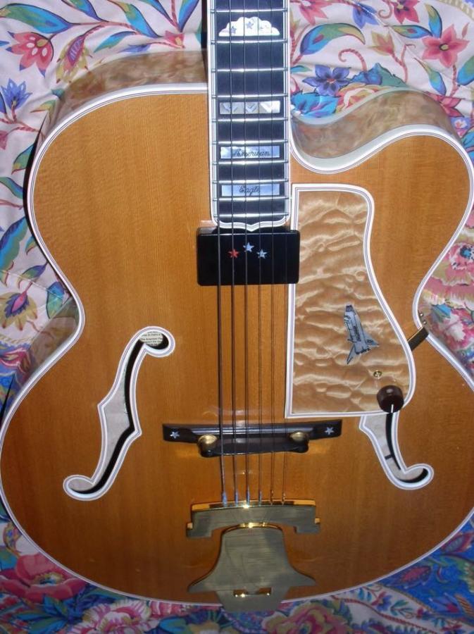 Heritage Guitar Uproar-4e272b95-93f3-49d8-9767-728e70c27c8e-jpg