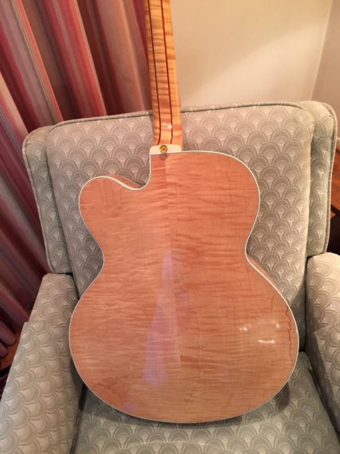 Heritage Guitar Uproar-617215c5-c5c1-4a42-8820-984e7ea228ce-jpg