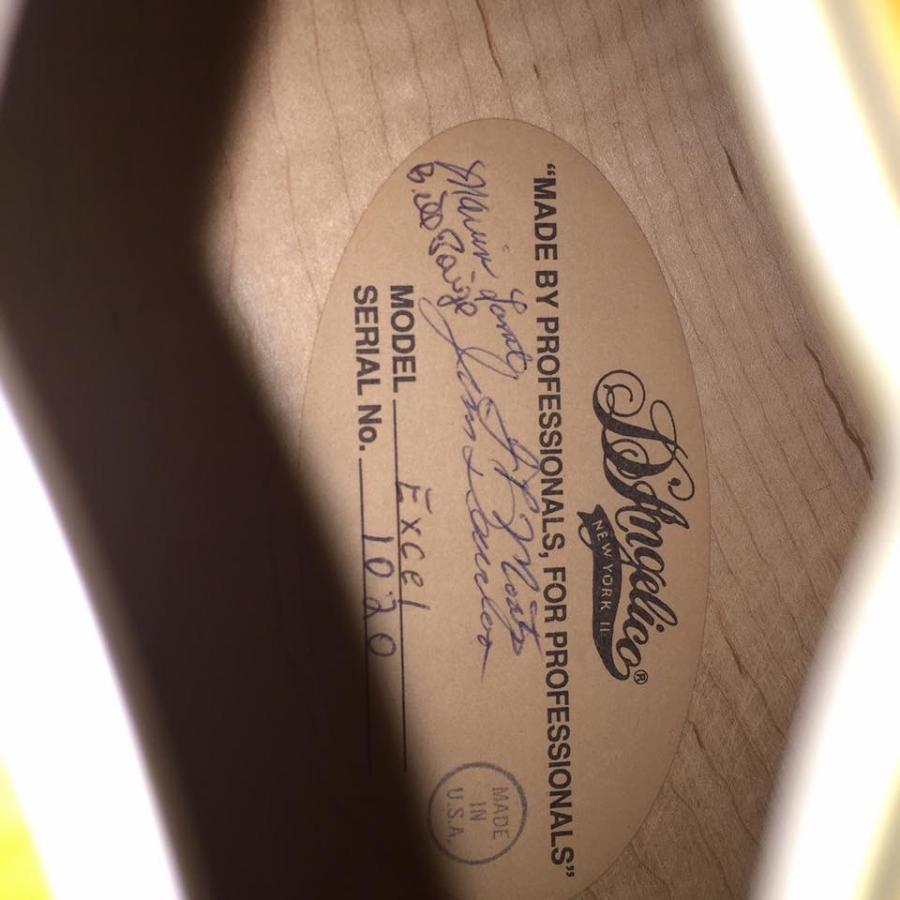 Heritage Guitar Uproar-113cdb57-ef82-4738-8c8a-c9fa20e301c0-jpg
