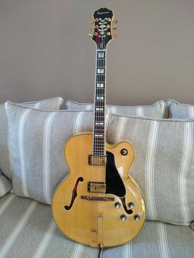 best semi hollow and archtop jazz guitars under 1000. Black Bedroom Furniture Sets. Home Design Ideas