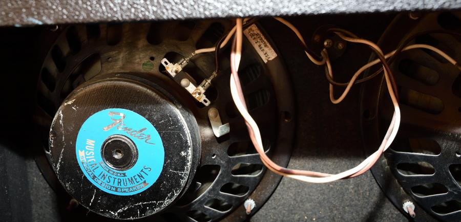 Fender Silverface Vibrolux Reverb-amp (Early 70s)-fender-vr-gracie_01_03-jpg
