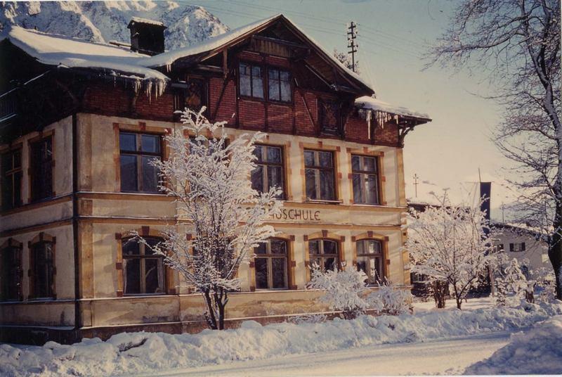 Help idenitfying German Archtop-mittenwald-geigenbauschule-ca-1920-jpg