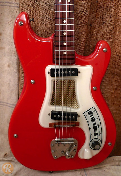 What ubiquitous iconic guitar have you NEVER played?-hagstrom-red-jpg