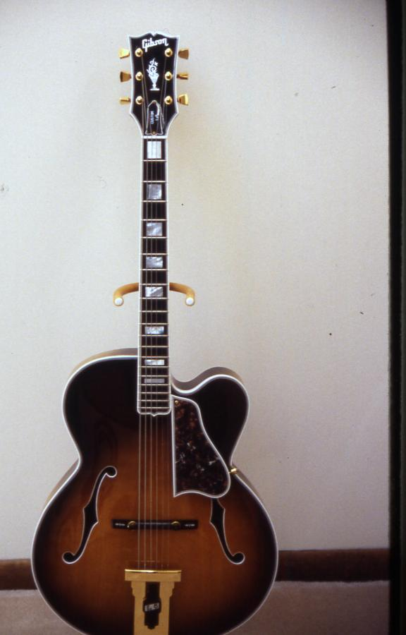 Gibson L-5: Does the model year of a James Hutchins signed L-5 matter?-l-5c-1987-front-jpg