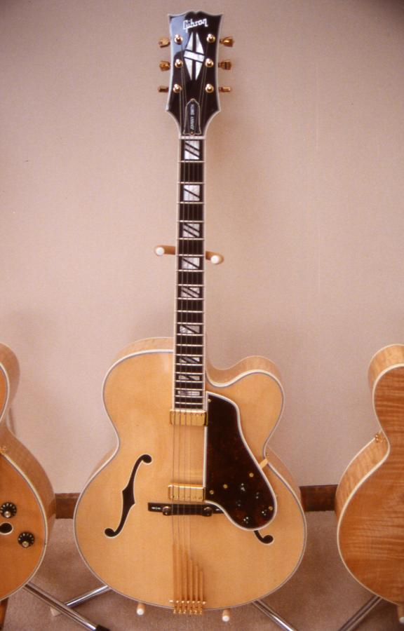 Gibson L-5: Does the model year of a James Hutchins signed L-5 matter?-front-jpg