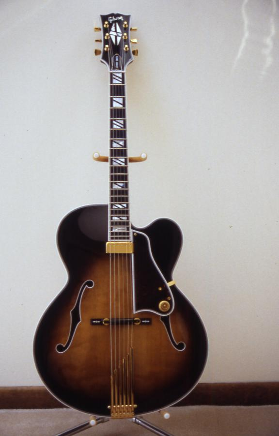 Gibson L-5: Does the model year of a James Hutchins signed L-5 matter?-front-2-jpg
