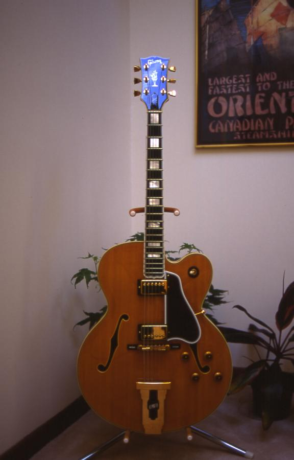 Gibson L-5: Does the model year of a James Hutchins signed L-5 matter?-l-5-cesn-front-jpg