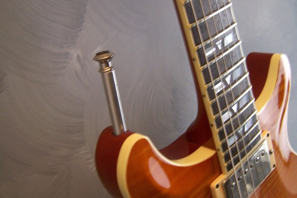 Why Gibson Les Pauls Are So Uncomfortable To Play-main-qimg-cc9acc0664160fa95974687621cae954-jpeg