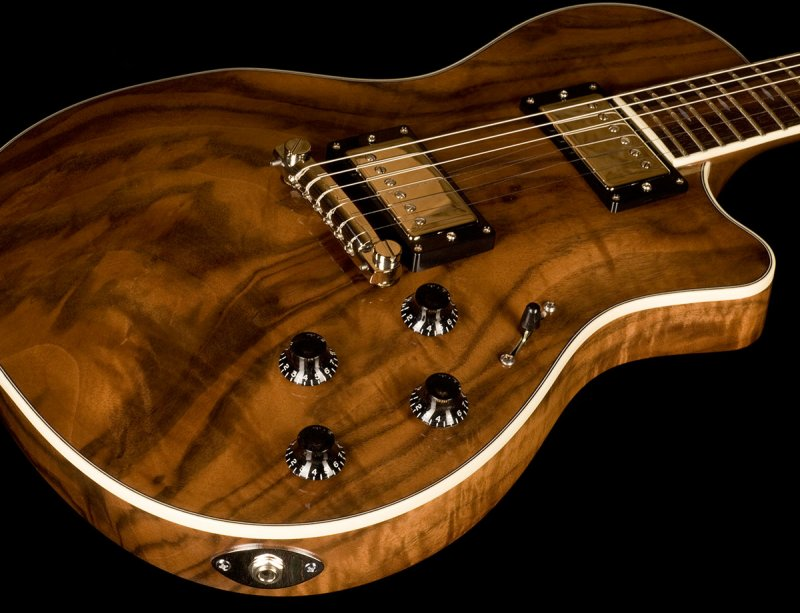 Why Gibson Les Pauls Are So Uncomfortable To Play-wt0a7329_800_zpsd8dd68eb-jpg