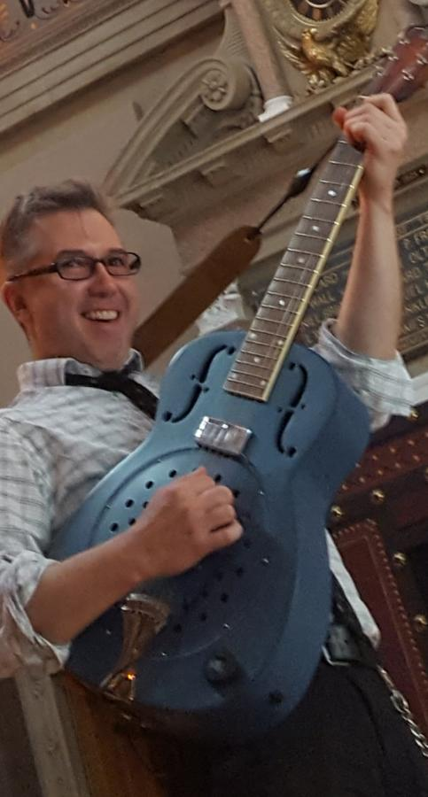 Anyone into blue guitars?-20190626_125709-jpg