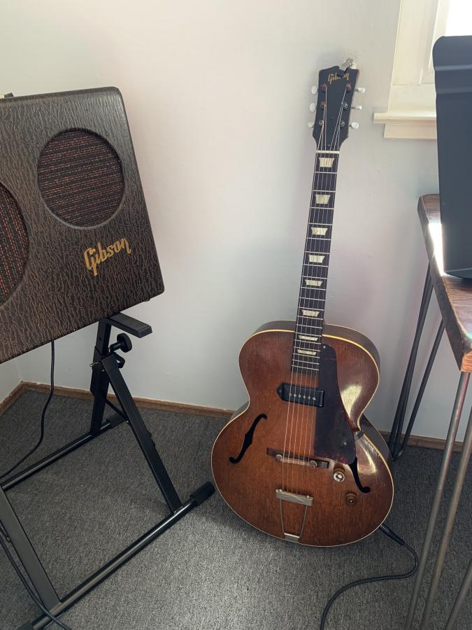 The Gibson ES-125-1867d28d-6763-48f7-ba26-429ec87f0c7d-jpg