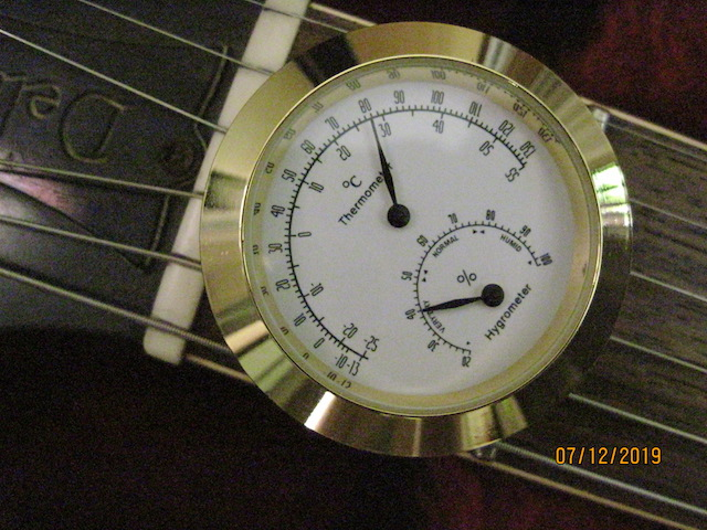 Looking for a small (relatively) inexpensive hygrometer-img_2886_sm-jpg