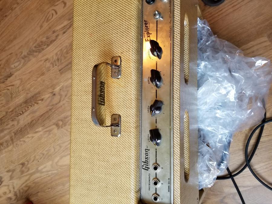 Vintage Gibson Amps-20190727_131502-jpg