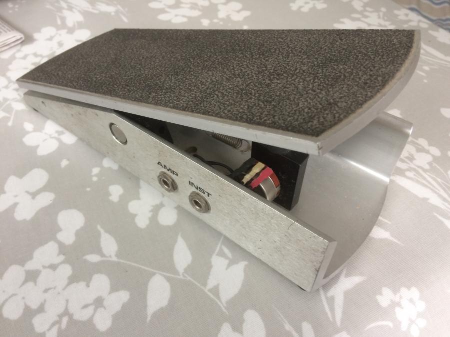 Volume pedal-56e76f27-a578-410e-b844-1a3eaa30c58c-jpg