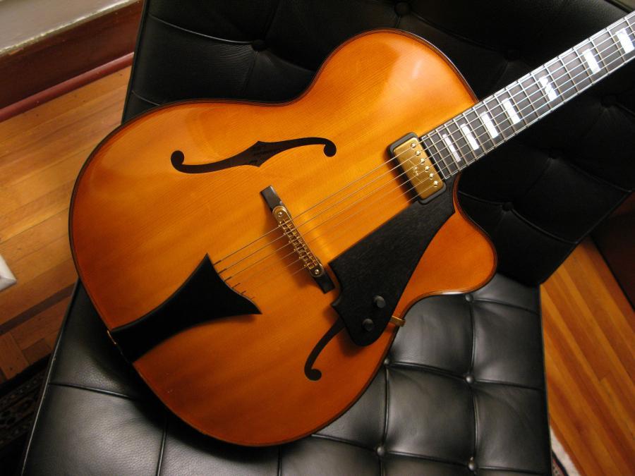 Modern jazz guitars with cello / violin like finish-img_1725-jpg