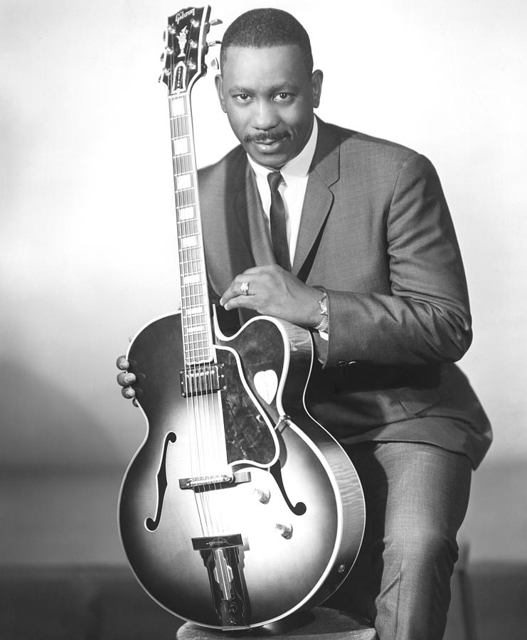 Nitro blemish on a vintage Gibson - value?-wes-montgomery-early-1960s-everett-jpg