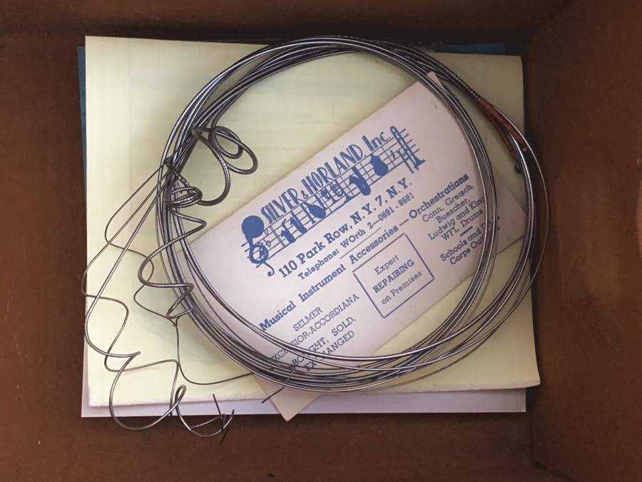Looking for flatwound strings that sound dead right out of the package-646c9f27-b7e5-49c0-8fbb-e03d17519bb7-jpg