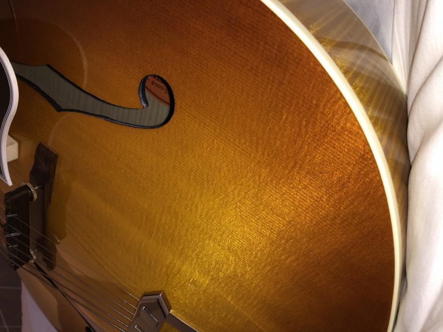 Gibson Solid Formed - Sunrise Tea Burst-1638a03e-b476-407c-a26d-9a2a25498136-jpg