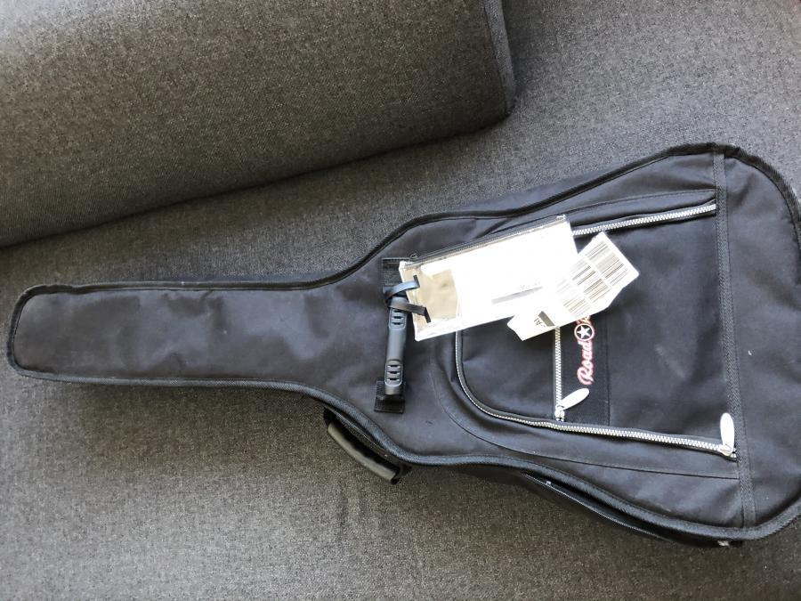On Shipping Guitars-ec7e43a5-9ef2-40dd-9f7e-60a0b81bd89d-jpg