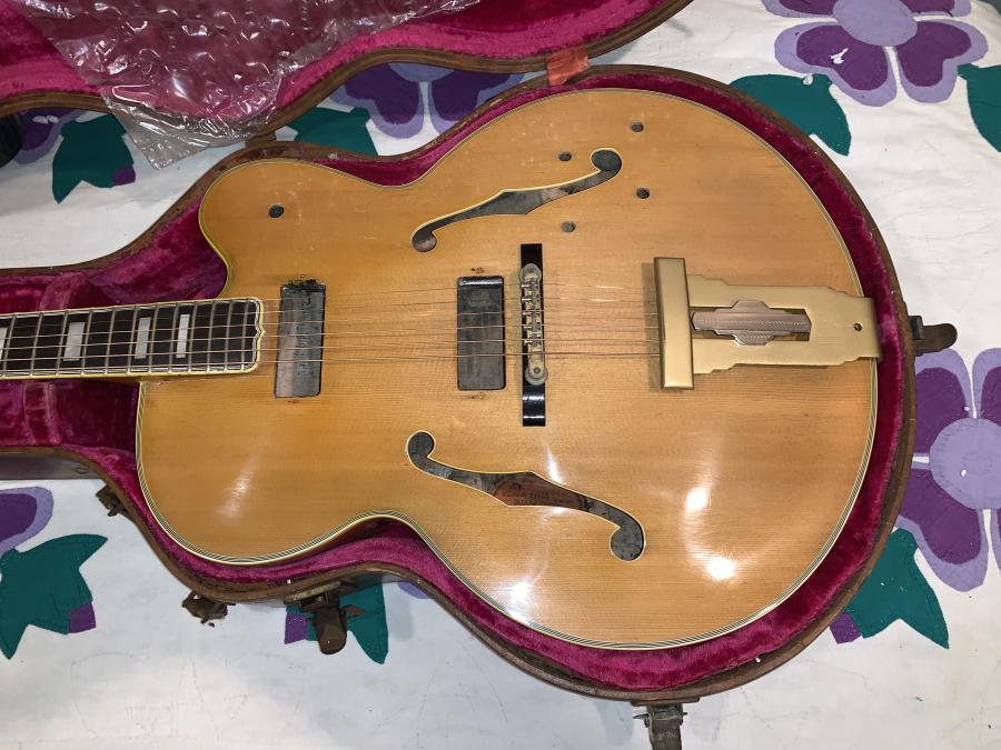 The Venerable Gibson L-5-e5ec4c8a-ef08-4d06-8e92-77beeaac478b-jpg
