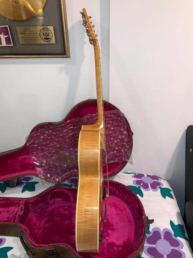 The Venerable Gibson L-5-6348b03b-db61-458d-a43f-b30275a8c3d5-jpg