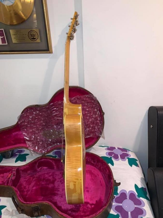 The Venerable Gibson L-5-d9a82de3-a360-4ede-afec-5df2f9cb0828-jpg