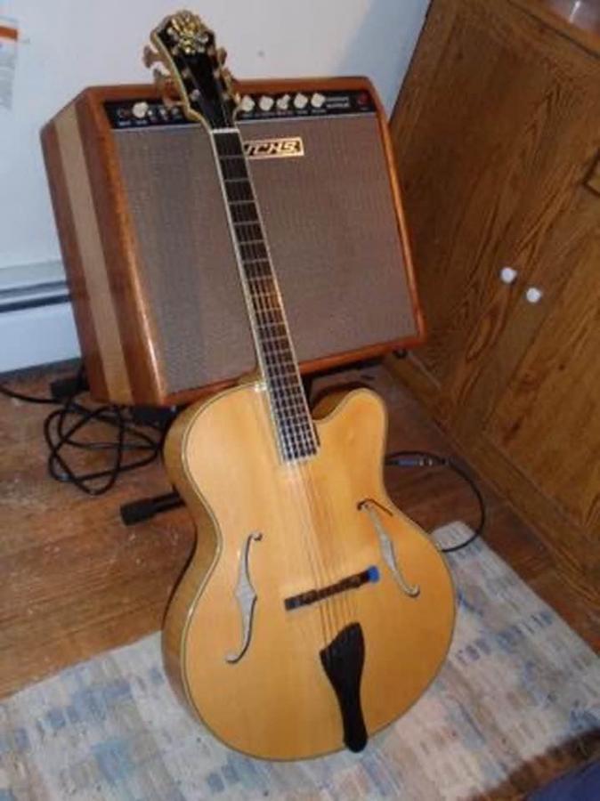 Eastman AR810CE Blonde (old-school)-dfa2d5d0-ecd1-42b3-a52a-313204bef925-jpg