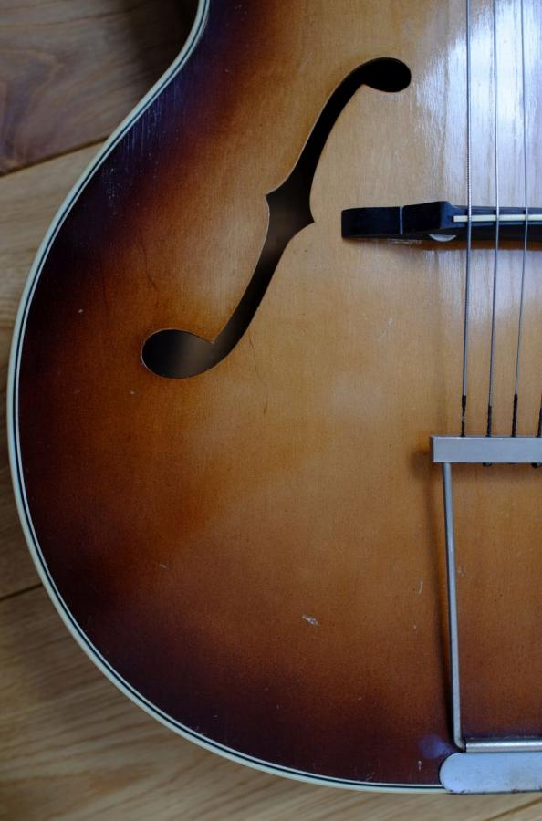 Rescued what I think is an old Antoria archtop from around 1950-dscf4880b-jpg