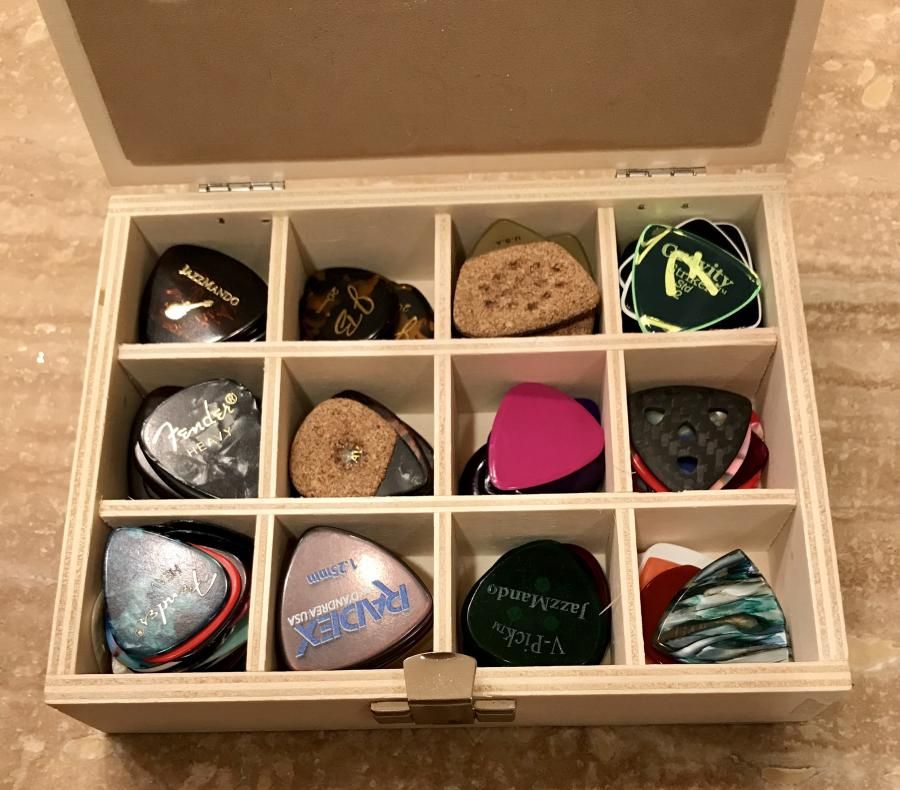 Picks for players with grip issues-e2a2efb2-3b85-4e69-ae49-a65828936eb0-jpg