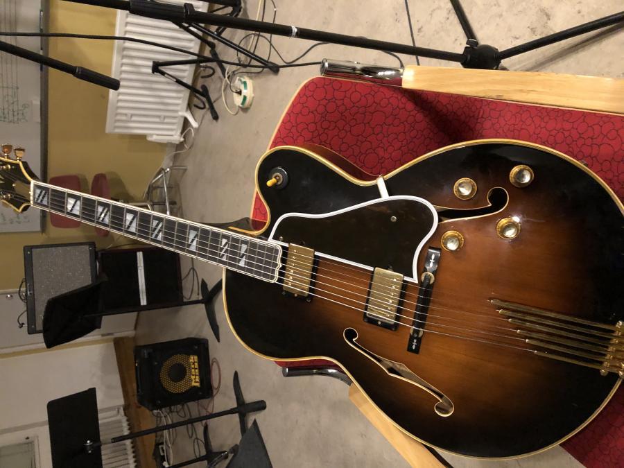 1978 Gibson Super V CES-da44179a-8a6f-41d9-b4ad-9a3b8854dc5a-jpg