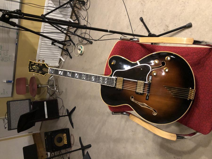1978 Gibson Super V CES-b0cf045d-209d-4efe-9124-d15d0ba09e6b-jpg