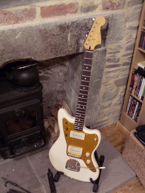 The jazzmaster Shape – is it really that comfortable?-sdc11277-480x640-jpg