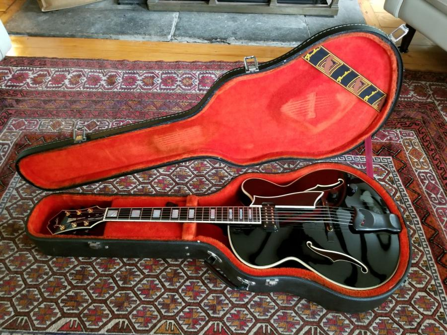 Show Me Your Black Archtop-da-pic2-jpg